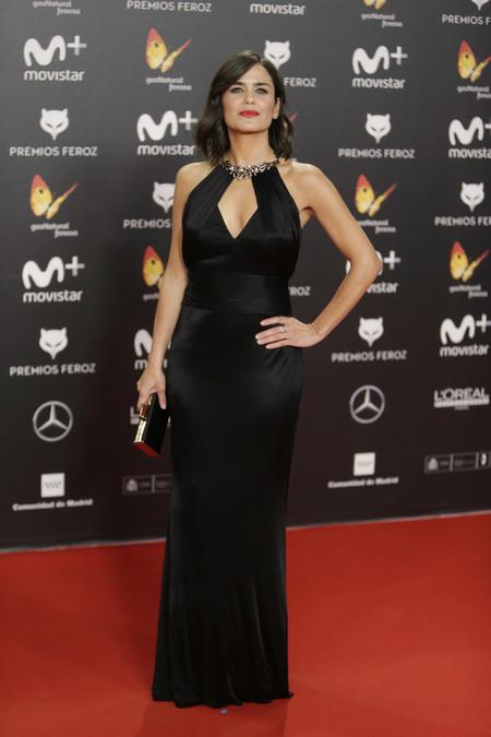 premios feroz alfombra roja look estilismo outfit Elena Sanchez