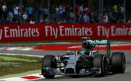 """Mercedes AMG dispuesta a """"levantar la mano"""" con la congelación de los motores"""
