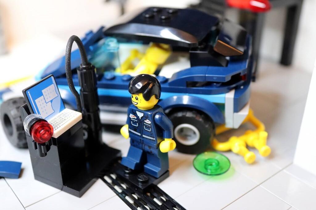 Una ingeniera recrea con LEGO el mundo de las pruebas de choque en este espectacular vídeo en stop-motion