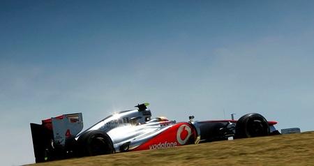 Lewis Hamilton repite el mejor tiempo en la segunda sesión