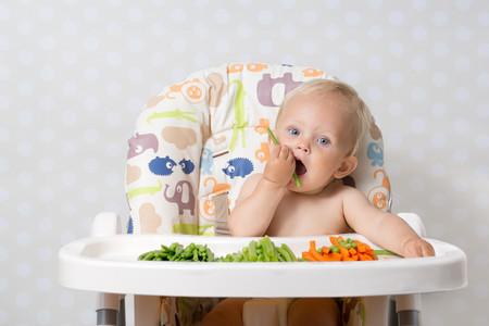 Bebe Comiendo Vegetales