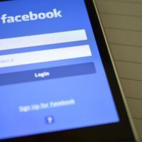 Un 91% de usuarios accede a Facebook a través del móvil cada día