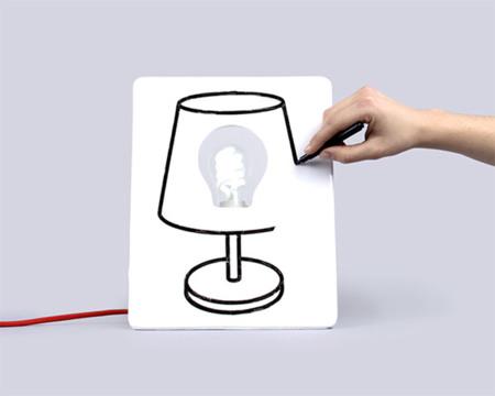 Lámpara y pizarra: un 2x1 para tu casa