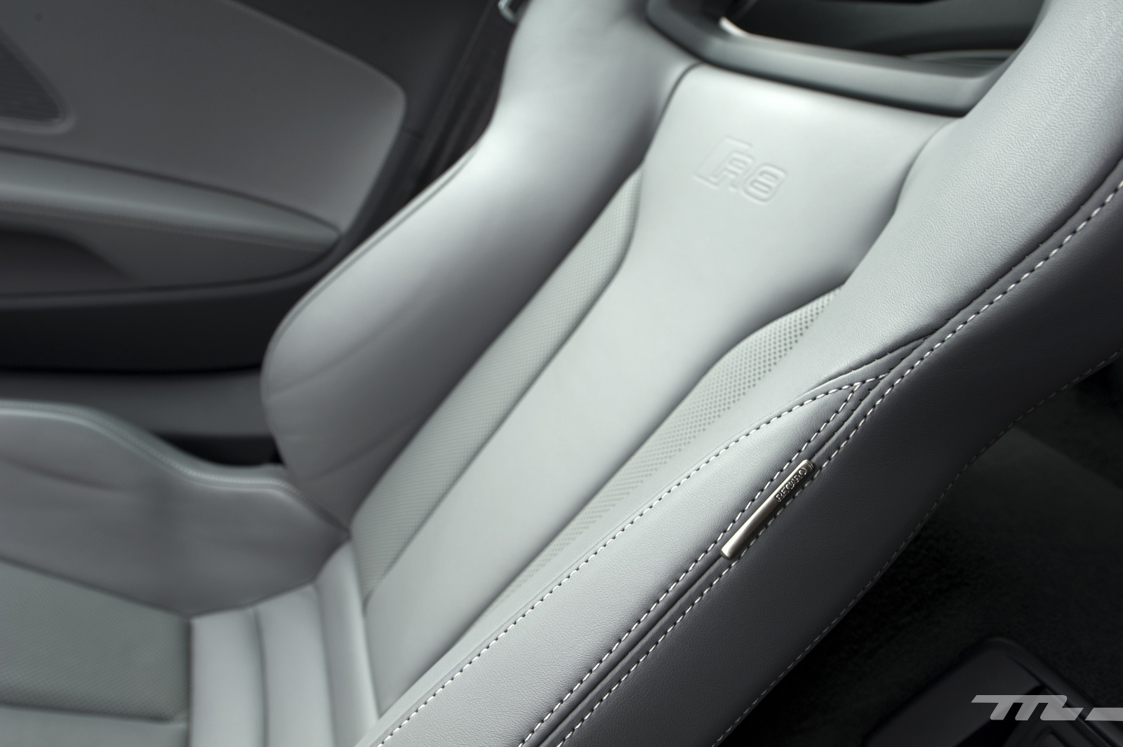 Foto de Audi R8 V10 Plus (prueba) (34/39)