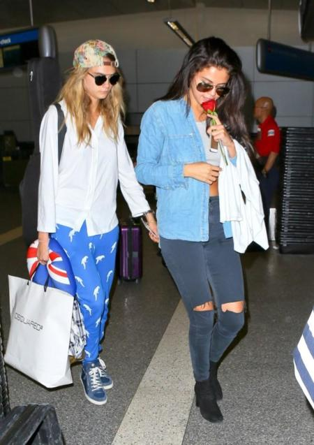New friends, same style. Cara Delevingne y Selena Gómez