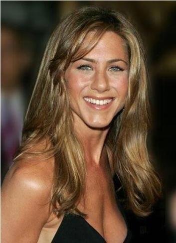 Jennifer Aniston no necesita hombres, sólo un par de sus mejores nadadores