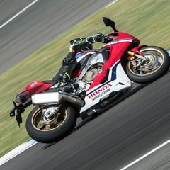 Foto 30 de 33 de la galería bridgestone-battlax-hypersport-s22-2019-prueba en Motorpasion Moto