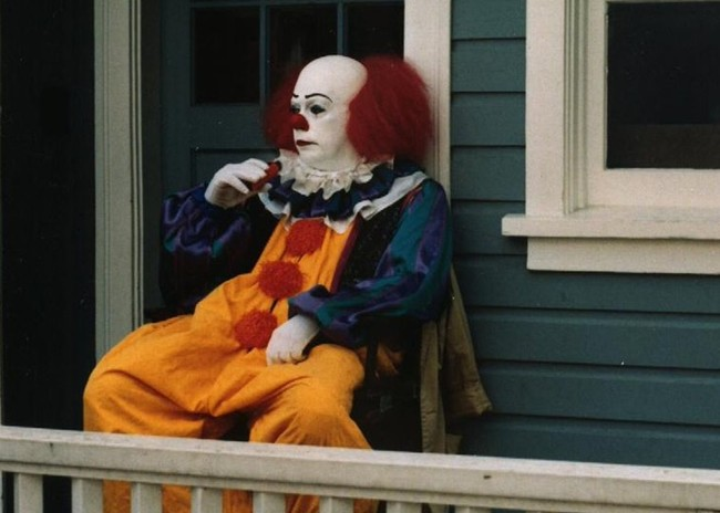 "Tim Curry critica el final de la miniserie de 'It': ""No daba miedo"""