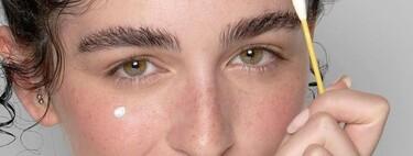 17 productos para cuidar el rostro si tienes la piel grasa y te salen granitos muy a menudo