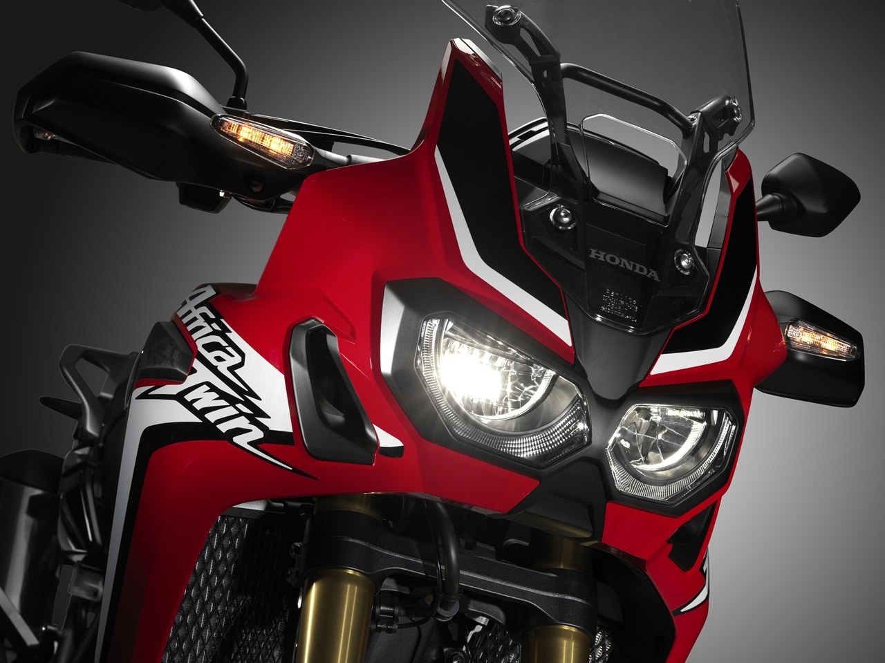 Foto de Honda CRF1000L Africa Twin estudio (6/44)