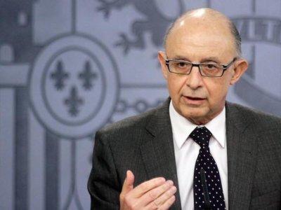 La deuda pública apenas bajará en 2016 y sus intereses se comerán 9,5 de cada 100 euros