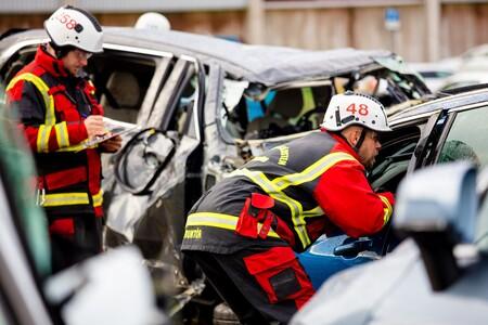 Volvo Deja Caer Sus Autos Desde Una Altura De 30 Metros 6