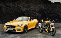 Mercedes-Benz SLK 55 AMG & Ducati Streetfighter 848