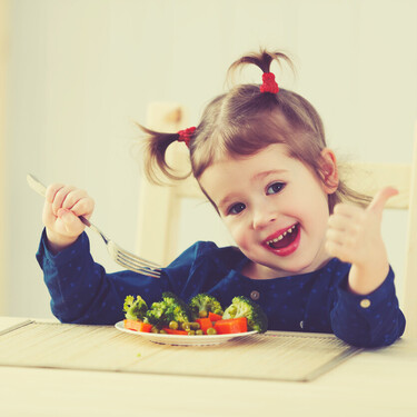 Alimentación infantil: con qué frecuencia tienen que comer los niños cada grupo de alimentos
