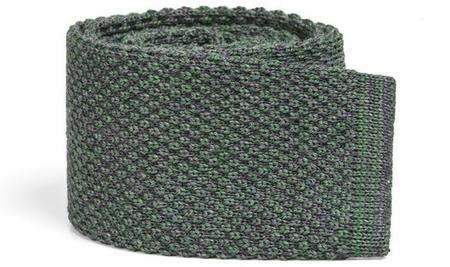 Elegantes corbatas en punto de lana de SOLOiO