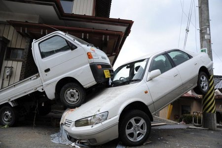 Camion subido a coche