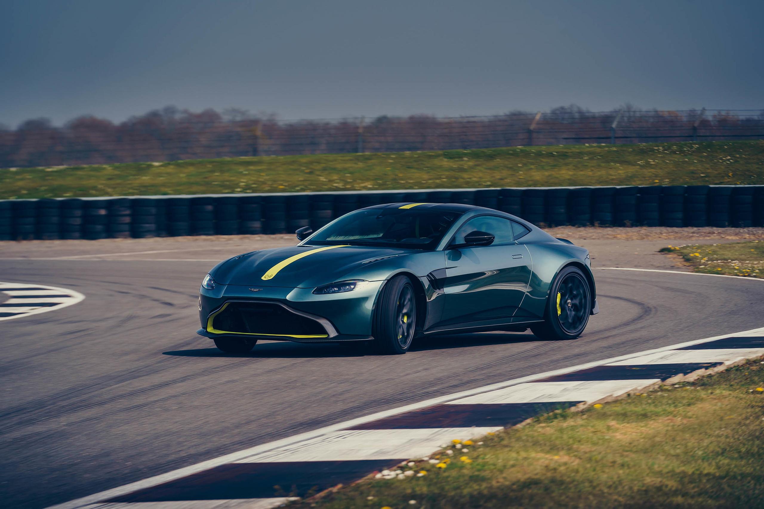 Foto de Aston Martin Vantage AMR (11/15)
