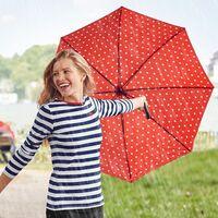 Paraguas con descuento que te alegrarán los días de lluvia: desde 4 euros en Amazon, Lidl o El Corte Inglés