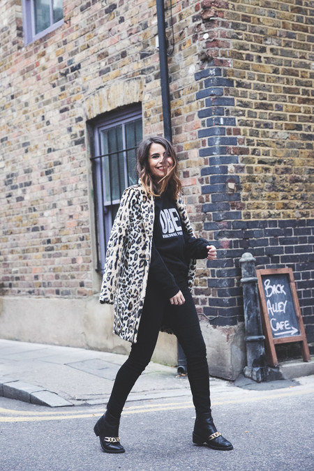 London Rimmel Leopard Coat Pepe Jeans Black Obey Sweatshirt Chained Boots Outfit Street Style 23