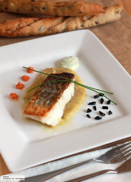 Bacalao con crema de hinojo y juanolas de ajo negro, impresionante combinación de sabores y texturas
