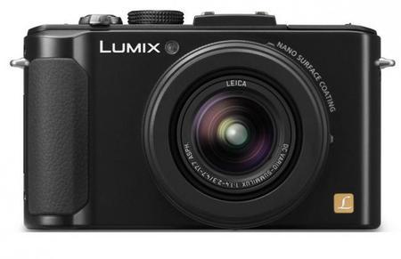 La Lumix LX8 de Panasonic podría incorporar estabilización óptica de cinco ejes y vídeo 4K