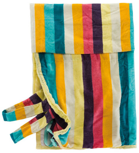 Toalla de playa-mochila de Pull and Bear