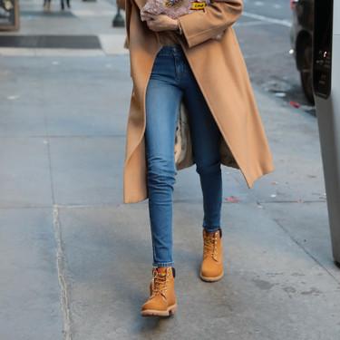 Las botas de montaña también son para el asfalto y arrasan en el street-style