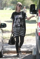 Heidi Klum, ¿hay tripita de bebé bajo esa túnica a lo Massiel?