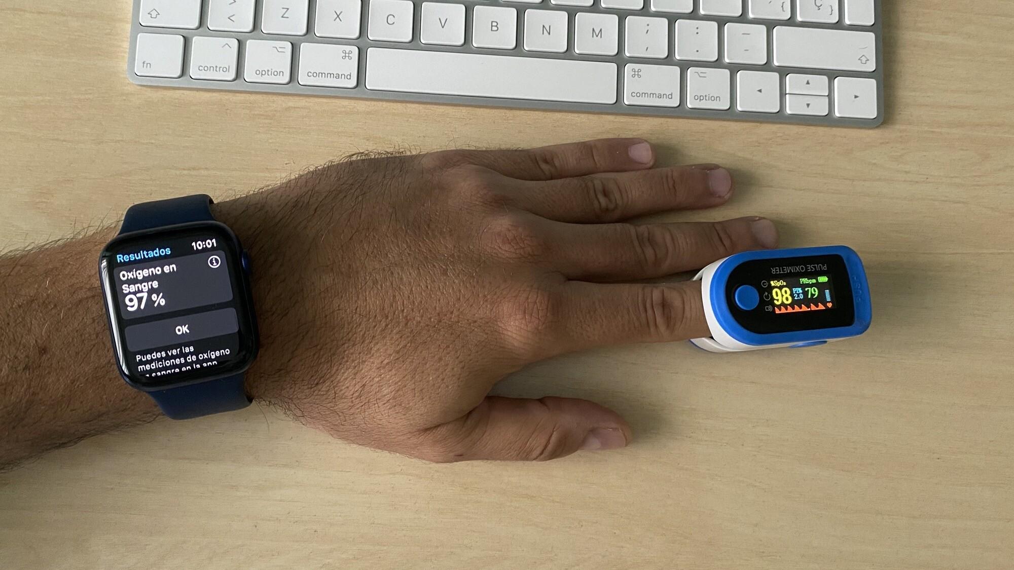 Foto de Mediciones simultáneas SpO2 con Apple Watch Series 6 y pulsioxímetro de dedo (1/12)