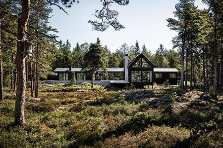 Esta casa de campo fusiona los estilos escandinavos y japonés en un espacio funcional muy atractivo