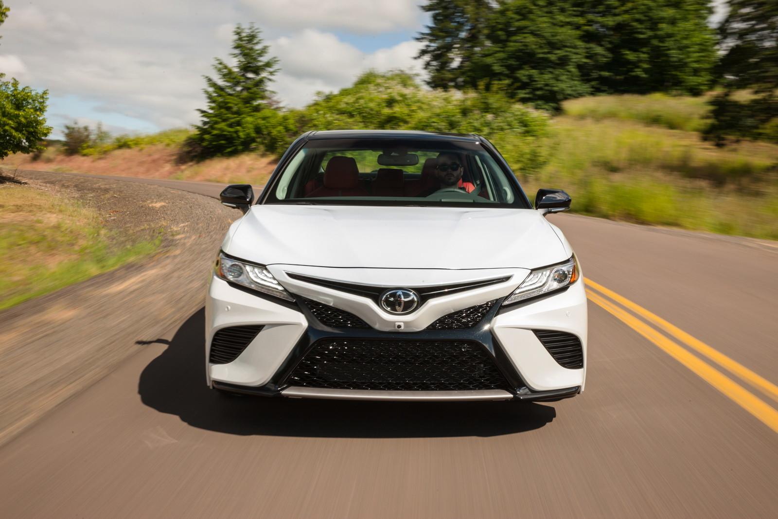Foto de Toyota Camry 2018 (6/19)
