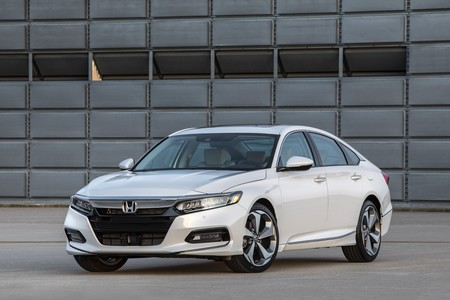 Honda Accord 2018 4