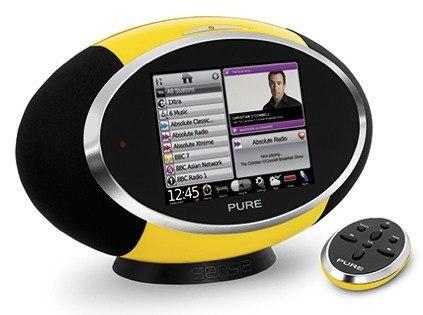 Pure Sensia, radio por Internet con funciones de la Internet social: Facebook, Twitter...