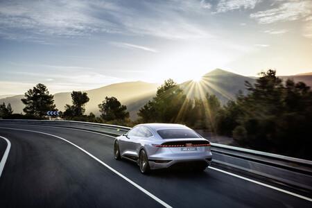 Audi A6 Etron Concept 8
