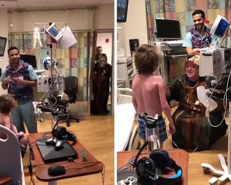 Un médico se viste de Chewbacca para anunciar a un paciente que al fin ha llegado el trasplante de corazón que esperaba