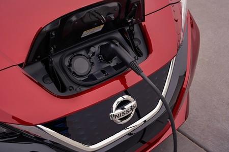 Nissan y BMW crecen su red de carga para vehículos eléctricos e híbridos enchufables