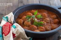 Albóndigas con salsa de tomate al azafrán. Receta