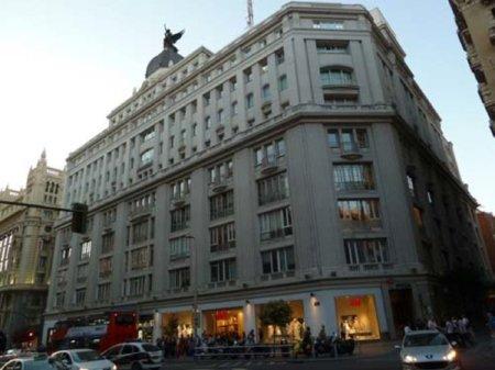 Amancio Ortega es el nuevo casero de Primark, H&M y Mango en la Gran Vía de Madrid