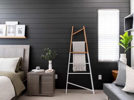 Antes y después: un dormitorio que se oscurece y gana en elegancia y personalidad