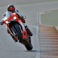 Sube el volumen y deja que la Ducati 1299 Superleggera te alegre el día rodando a fuego