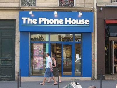 Denuncia a The Phone House por cobrar en las portabilidades