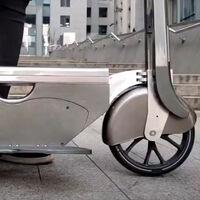 ¡A la conquista de la ciudad! Así es el patinete eléctrico plegable que se puede guardar en una mochila