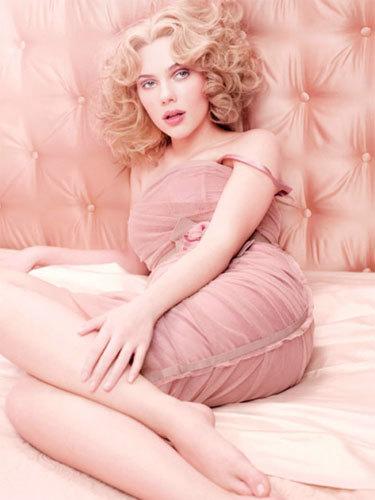 Scarlett Johansson imagen de Rose The One de Dolce & Gabbana
