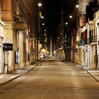 ¿Sirve de algo el toque de queda? Las incógnitas en torno a la restricción estrella de España