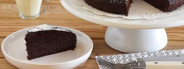Cómo hacer bizcocho de chocolate en una olla: receta al vapor para no encender el horno