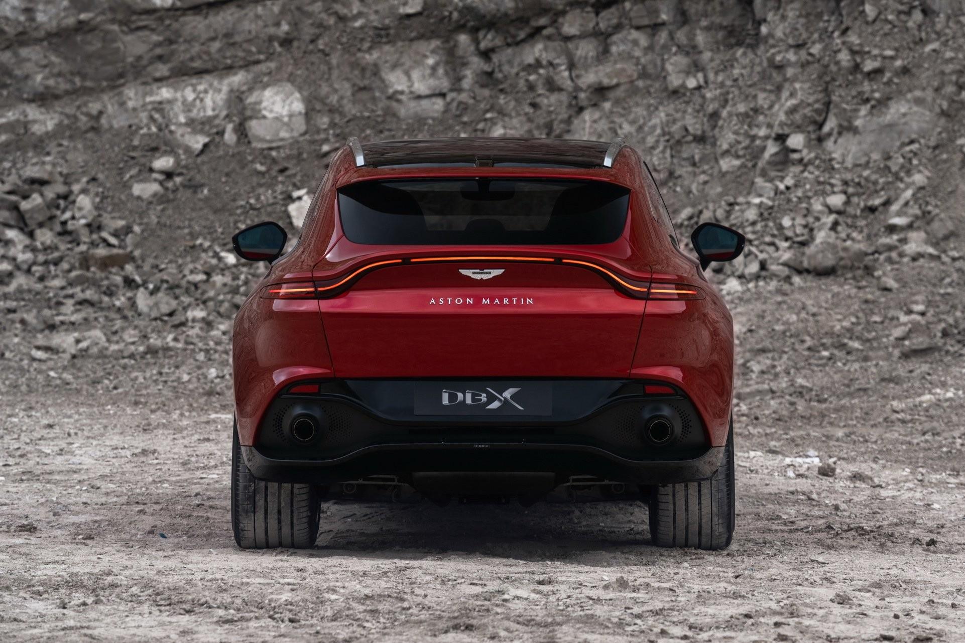 Foto de Aston Martin DBX (7/36)