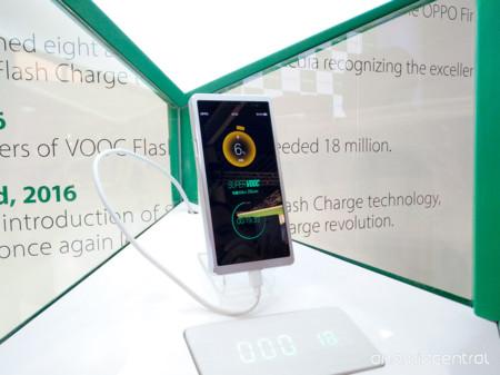 Oppo presenta SuperVooc una tecnología que permite cargar un teléfono en 15 minutos