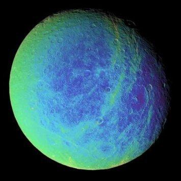 Cassini-Huygens, vista de Rhea, Saturno