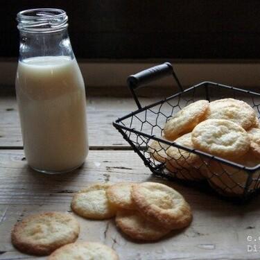 Galletas crujientes de queso crema: receta rápida sin huevo