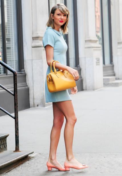 042015 Taylor Swift Lead